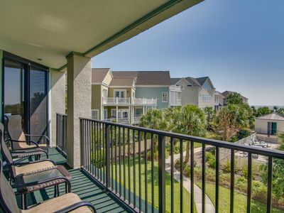 Photo for Convenient oceanfront condo w/beach & ocean views, shared pool & basketball
