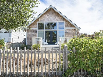 Photo for Cute Beach Vacation Cottage, features unique furnishing–chic elements, HOT TUB!