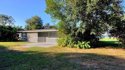 Photo for Disney 3 miles , Pet Friendly Lakefront, Private.