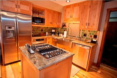Kitchen - Stainless Appliances including Gas Cooking and Under Counter Icemaker