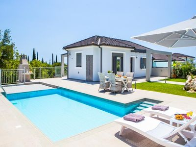 Photo for One bedroom Villa, sleeps 3 in Mousáta with Pool, Air Con and WiFi