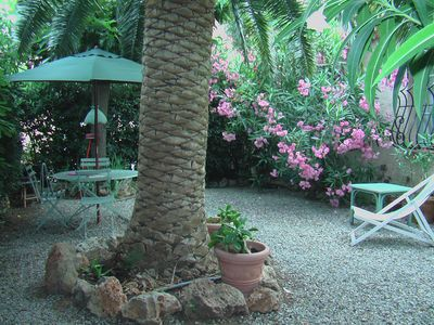 Photo for Charming cottage for two to 150m from the sea Frejus Var