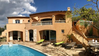 Photo for Low villa apartment for 6 people with heated pool