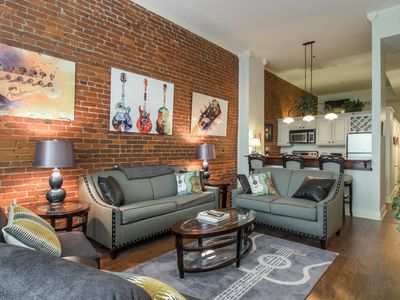 Photo for Amazing Condo in the Heart of Downtown Nashville! Walk to restaurants & music!