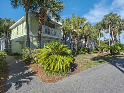Photo for Comfortable, open cottage, Steps to the gulf, Close to dining