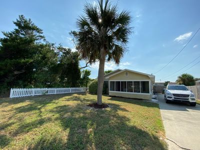 Photo for Cute Beach Cottage - 3 blocks from the beach!