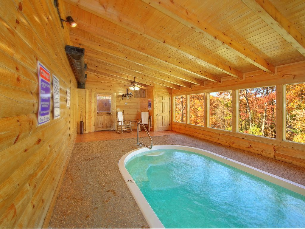 Pigeon forge cabin swimming pool cabin gone swimmin 39 260 - Cabins with swimming pools in pigeon forge ...