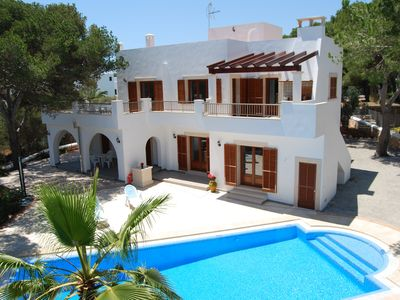 Photo for Completely renovated villa with private pool, solarium and barbecue