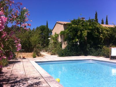Photo for House with pool, large shaded terrace, garden 6000m, view of Luberon