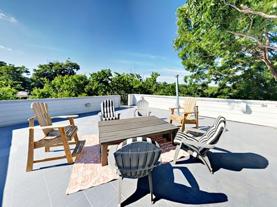 Photo for TurnKey - 3BR/2.5BA Downtown Hilltop Home
