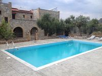 Very nice villa and lovely pool