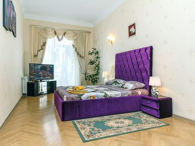 Photo for apartment in downtown Kiev KHRESCHATIK