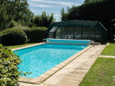 Photo for Large holiday cottage for 30 people,covered swimmingpool,5à13pound/avg/night