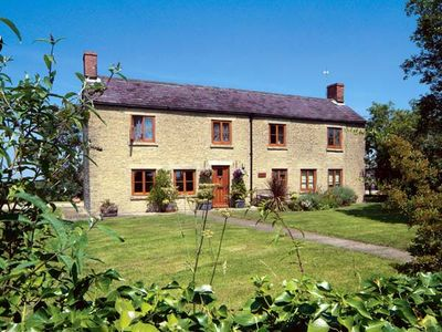 Photo for PARK FARM COTTAGE, pet friendly, with open fire in Garsdon, Ref 12186