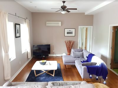 6 1/2 - Duplex, private rooftop, free parking in Le Plateau