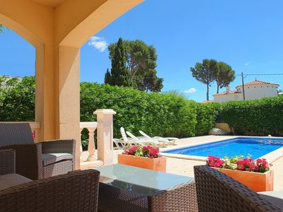 Photo for Fabulous location only 300m to the beach, luxury villa, full air-con & WIFI