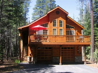 Photo for Luxurious Tahoe Donner Cabin / Private Hot Tub / Pool Table / Resort Amenities