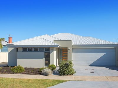 Photo for Modern house within walking distance to town, beach and jetty