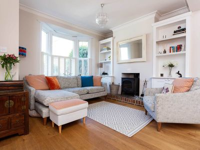 Photo for Vintage-style home located in South West London with a lovely garden (veeve)