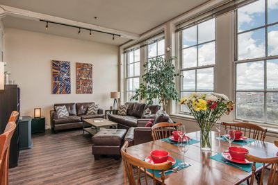 Rockin' River Loft - Playlist Properties - AMAZING 2 Bedroom, 1 1/2 Bath Loft with SWEEPING VIEWS of Nissan Stadium & The Cumberland River