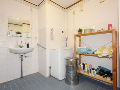 Photo for 2BR Apartment Vacation Rental in Den Haag, ZH