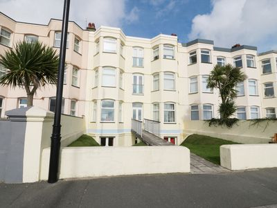 Photo for Apartment 3 Marian Y Mor, PWLLHELI