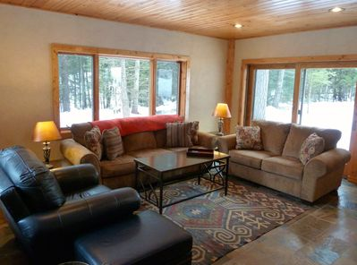 Spacious living room w comfy queen sleeper sofa, electric fireplace and TV