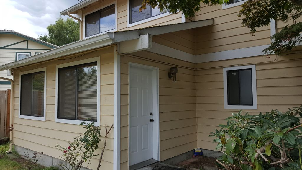 Two story mother in law suite kirkland puget sound for Mother in law apartment for rent near me
