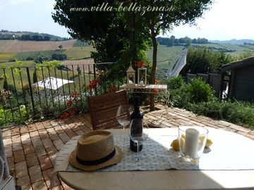Villa Bellazona, luxury villa with pool, privacy and stunning view - Apartment Sibillini