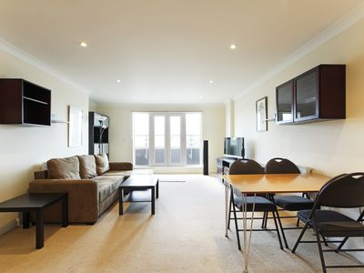 Photo for Penthouse, 2 bed/2 bath town centre apartment