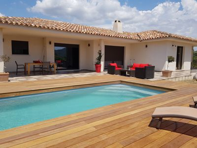 Photo for Contemporary villa of 170 m² for 6 people. in the countryside, swimming pool, air-conditioned.