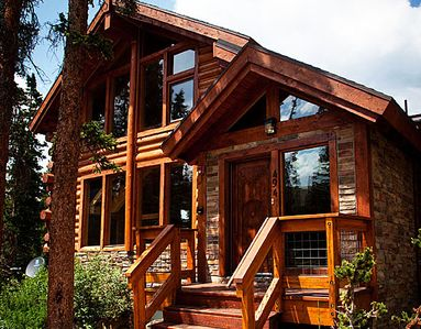 Featured on HGTV House Hunters Breckenridge - 3BR/3BA True Log Cabin Home