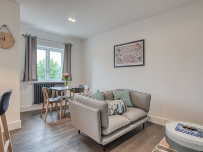 Photo for Lovely 2Bed 2Bath w/Balcony in London Bridge