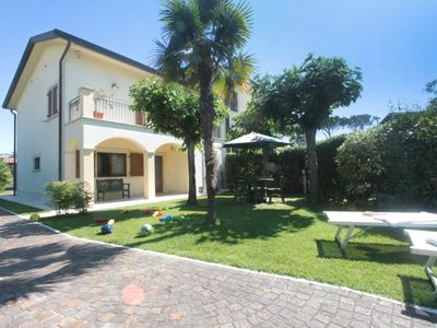 Photo for Vacation home Stefano in Forte dei Marmi - 7 persons, 4 bedrooms