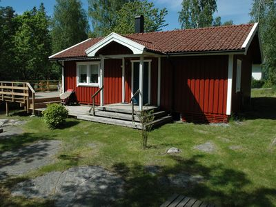 Photo for Fresh cottage by beautiful Gullmarsfjorden with wifi