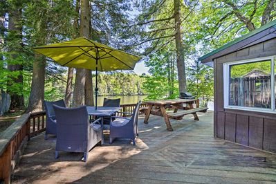 Set on Otter Lake, this Adirondacks home features 2 bedrooms and 1 bathroom!