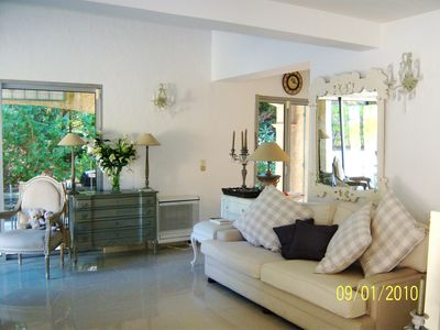 Photo for Deluxe villa in ideal location close to beach, town and golf course