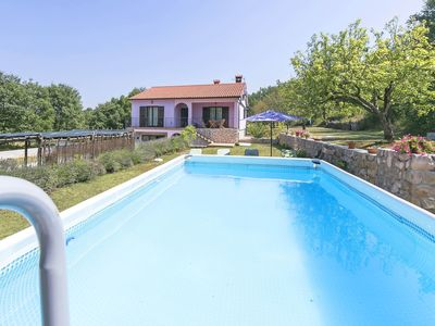 Photo for Cosy apartment for 6 guests with private pool, WIFI, A/C, TV, pets allowed and parking