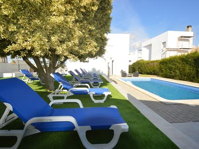 Photo for 5 bed Villa close to amenities- Albufeira Olhos Agua