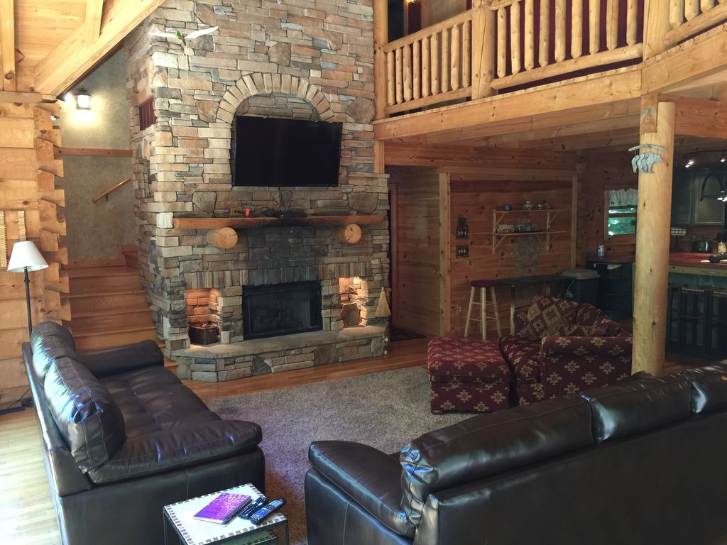 log cabin vacation home on 62 private woode vrbo