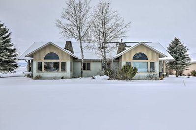 The home is ideally located in a quiet neighborhood with great mountain views!