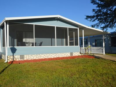 Photo for Cosy Home, Fully equiped, Close to Disney and other attractions, pool access.