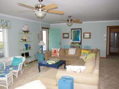 Photo for Family Friendly Open Concept and Short Walk to Beach