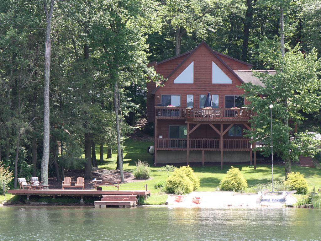 Lakefront Pontoon Boat Hot Tub Game Room Fire Pit