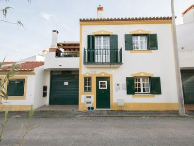Photo for Apartment in a hause with a view to the sea - Vila Nova de Mil Fontes