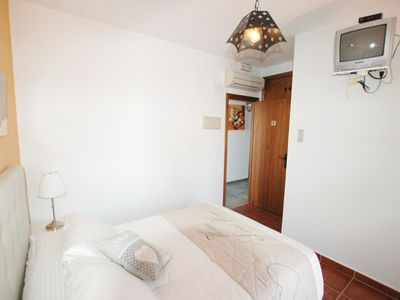 Photo for Rooms with air conditioning, garage and terrace
