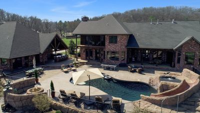 Photo for Apple Blossom Luxury - 7 Bedrooms