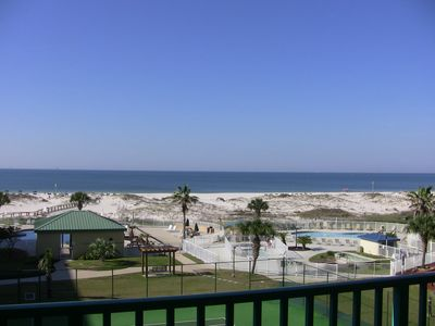 Photo for 4th Floor Direct Beach Views. Resort Amenities. Free Wifi. Private Washer/Dryer.