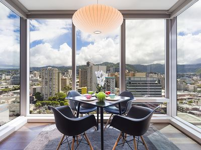 Photo for Luxurious 1 Bedroom at One Ala Moana