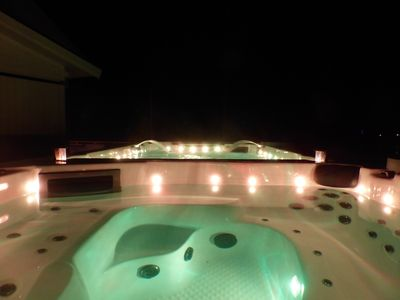 Pool and jacuzzi summer night!